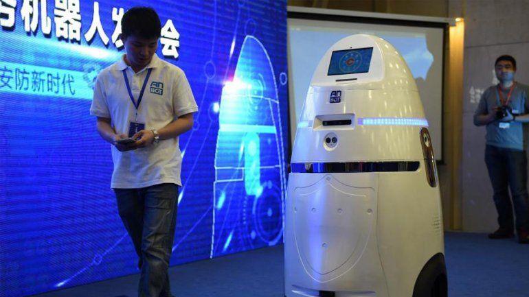 El precio del robot rondará los 15.000 dólares.