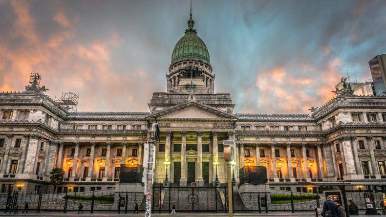 El oficialismo giró a Diputados la Ley Antidespidos