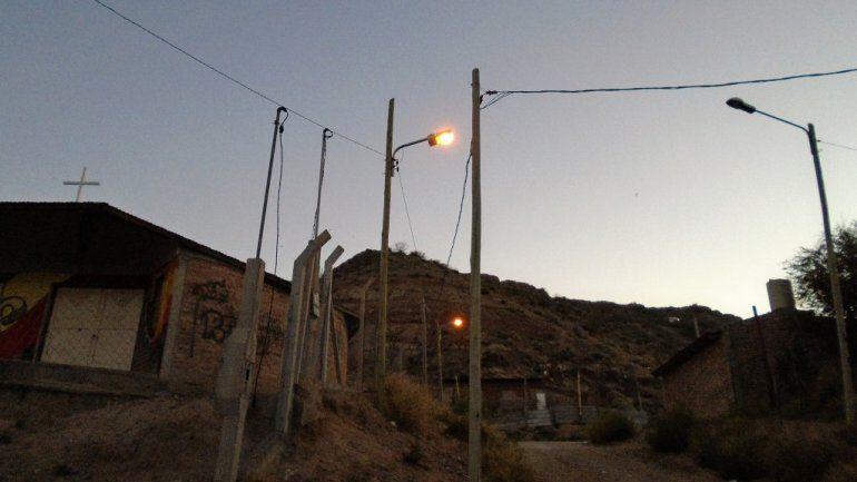Más de 140 familias de Rincón del Valle ahora tienen electricidad
