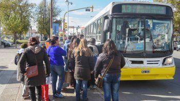 autobuses neuquen bajo frecuencias hacia el oeste