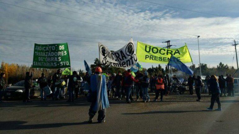 Más de 50 mil petroleros se manifiestan en Comodoro Rivadavia.