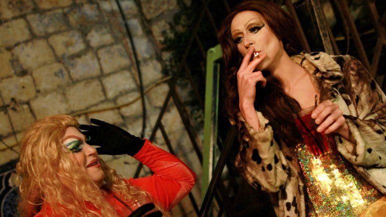 Dos travestis que frecuentan la noche de la vieja Jerusalén donde todo parece estar permitido.