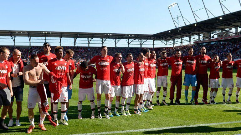 El conjunto de Guardiola celebra la conquista de la liga.