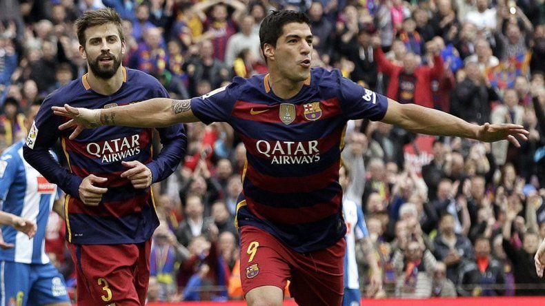 Barcelona goleó al Espanyol y quedó a un paso del título