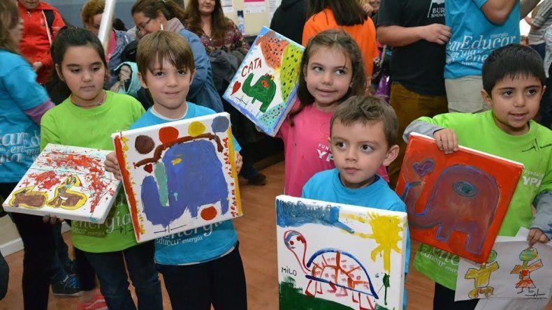 Las pinturas respondían a una consigna que los representantes de la Fundación lanzaron en una charla previa a la actividad.