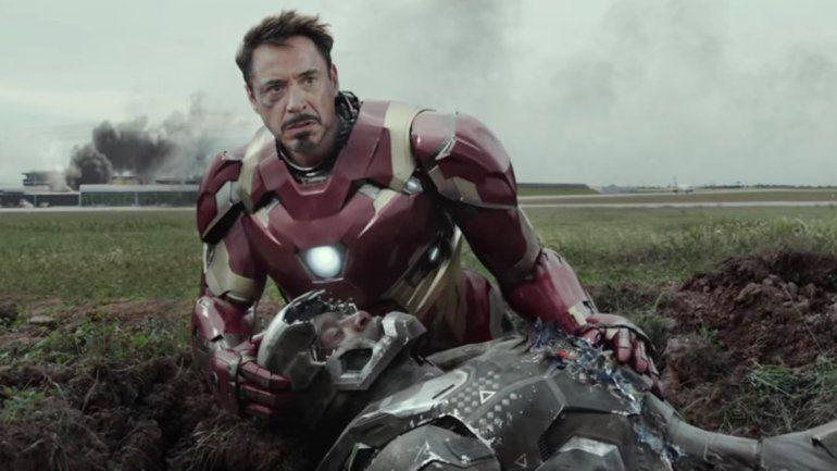 Elizabeth Olsen acompaña a Chris Evans en su enfrentamiento con Iron Man (Robert Downey Jr.).