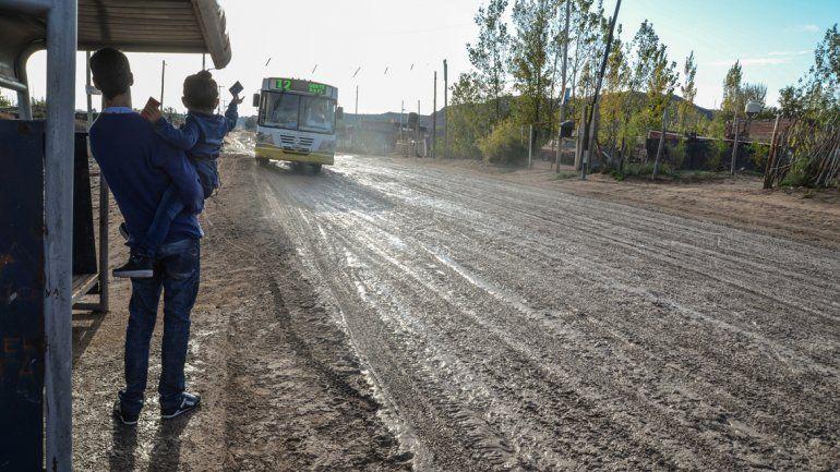 Mucho barro en las calles y se esperan más lluvias