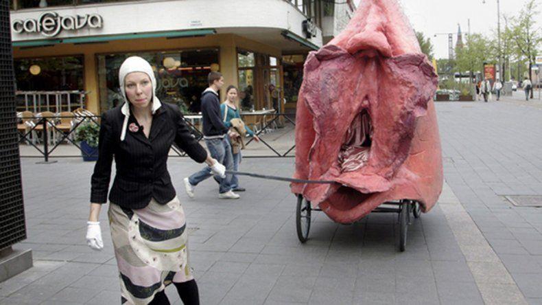 Japón: condenaron a una artista por crear objetos con forma de vagina