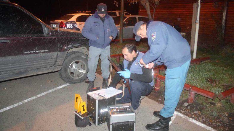 Detuvieron a un ex policía con un rifle en una camioneta sin documentación.