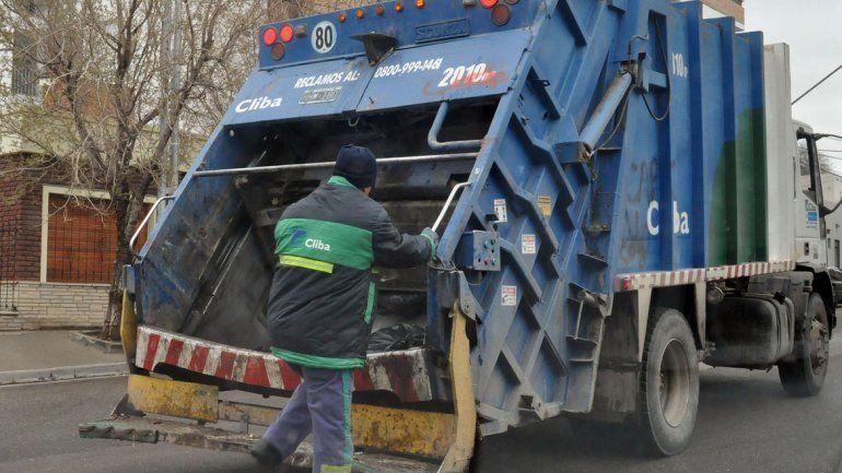 Alertar a los vecinos por falsos vendedores de bolsa de residuos de Cliba
