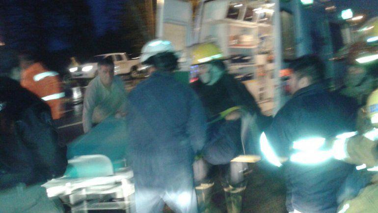 La conductora del Peugeot 207 fue trasladada a un centro de salud.