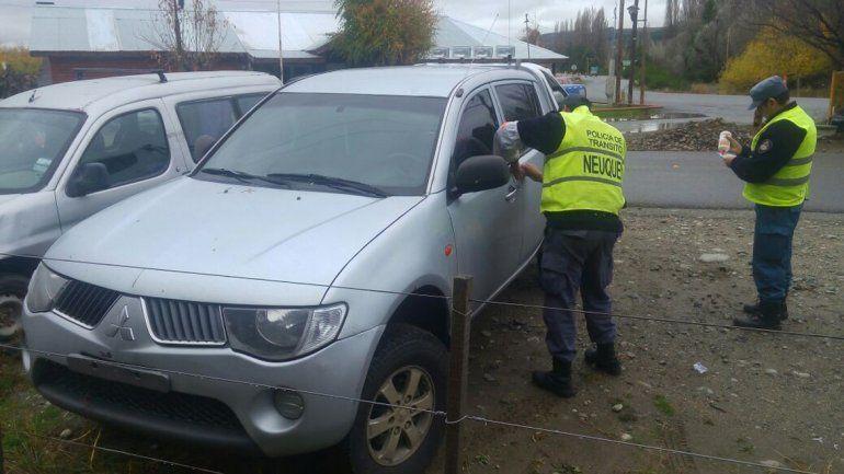 La camioneta no tenía patente y el conductor no llevaba los papeles.