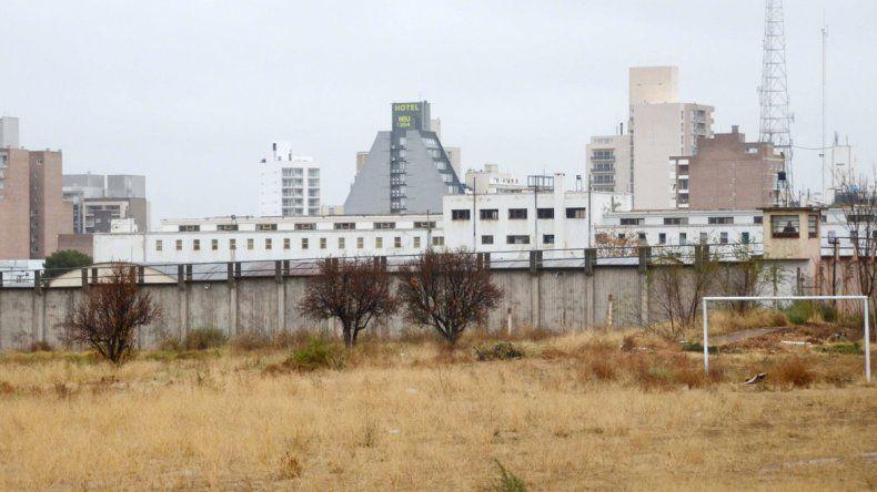 El intendente espera que Nación autorice que parte de la cárcel se pueda usar para el desarrollo de viviendas.