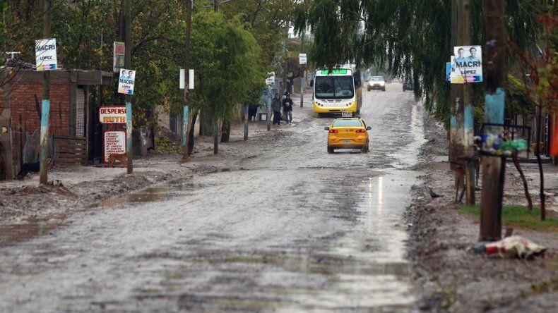 Varios sectores de la capital sufrieron la acumulación de agua. Los más afectados son los vecinos de las tomas.