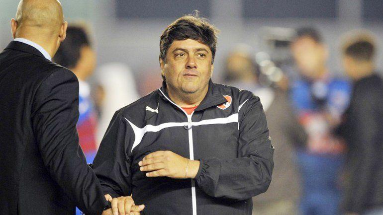 Fernando Berón será el DT interino. Tampoco pondrá a Denis.