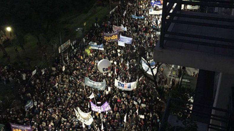 Tras la multitudinaria marcha, Gobierno hizo una oferta a los docentes universitarios