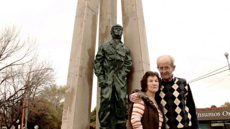 Hilda y Rubén llevan 60 años juntos y tienen en común una increíble historia de aviación.