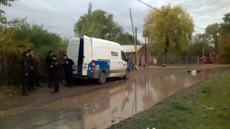 La Policía dejó una custodia permanente en el barrio para evitar nuevos ataques.