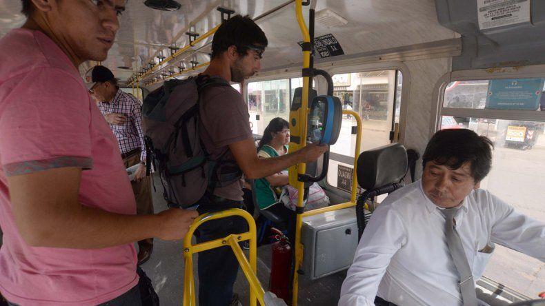 Contacto permanente con los pasajeros. Los choferes necesitan estar preparados para enfrentar reclamos y hasta el malhumor de la gente.