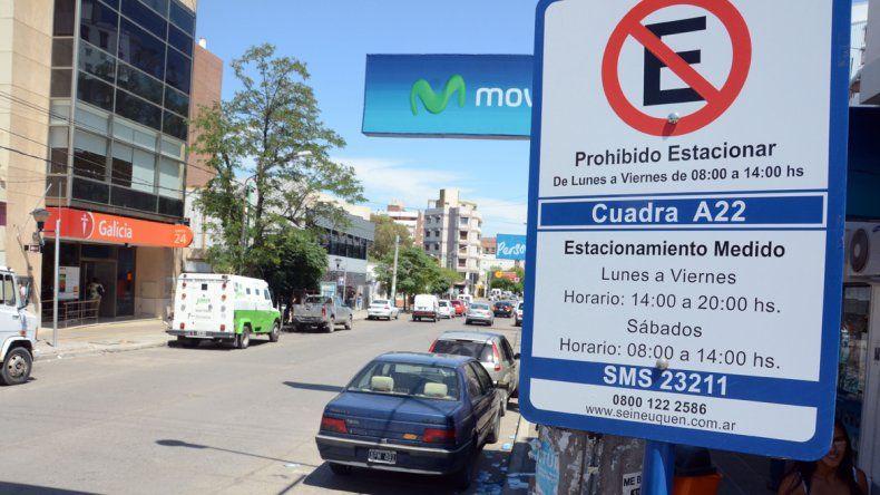 Quieren establecer por ordenanza la prohibición de estacionar en zona de bancos