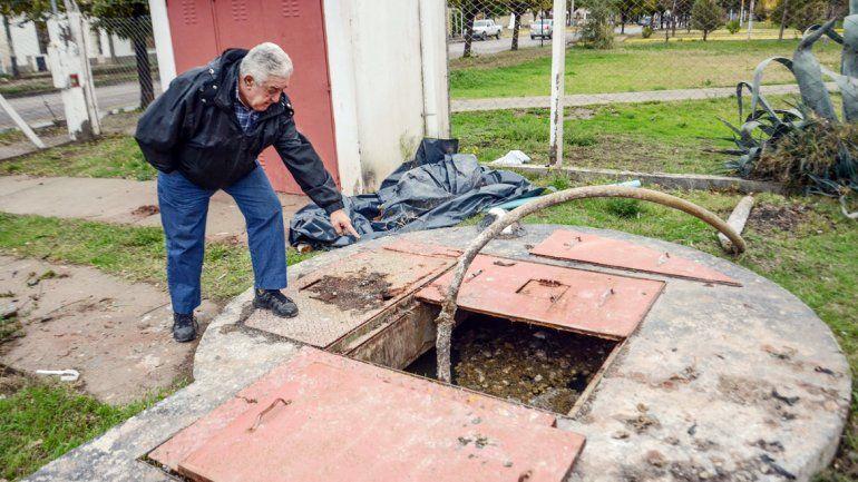 Los desbordes son una constante y un gran dolor de cabeza para muchos vecinos del centro.