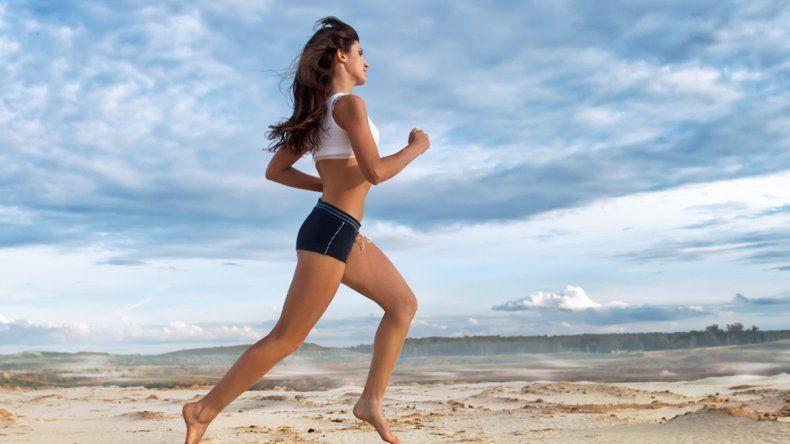 Correr sobre la arena requiere entre 1