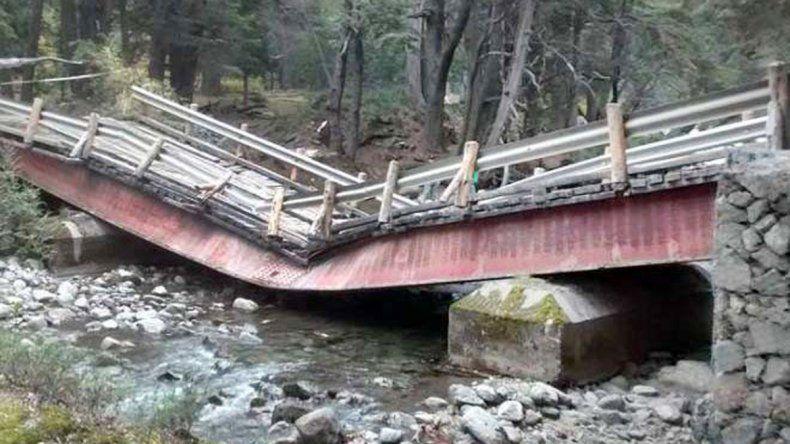 El puente que se desplomó está ubicado sobre la Ruta 65.