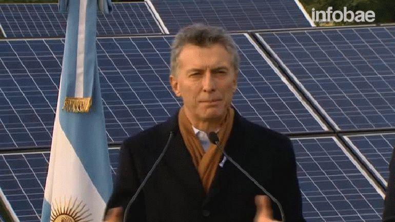 Macri pidió llenar la Patagonia de molinos de viento