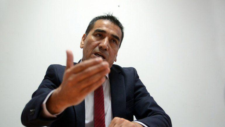 Rioseco con poco apoyo cree que puede ganar la batalla desde lo legal.