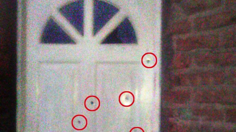 Los tiros en la puerta de la casa de la familia atacada en Gran Neuquén.
