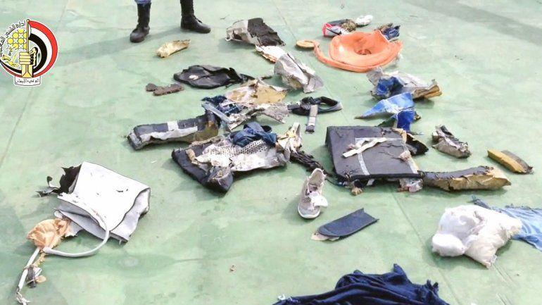 Objetos del avión y de los pasajeros hallados en el mar Mediterráneo.