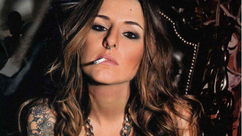 Candelaria Tinelli se hizo un tattoo en el rostro y ante las críticas reaccionó: Sus opiniones me las paso por el....