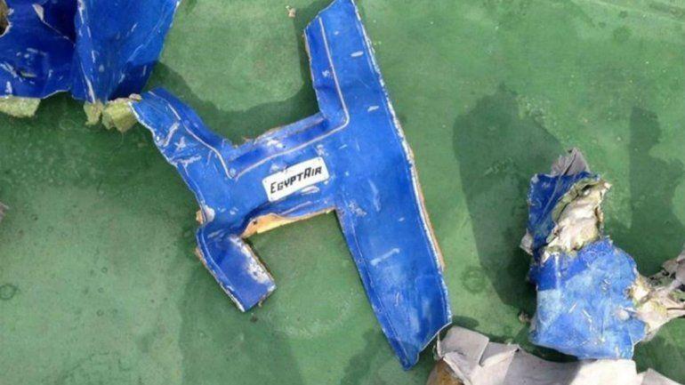 La hipótesis de un ataque terrorista contra el avión fue perdiendo peso.