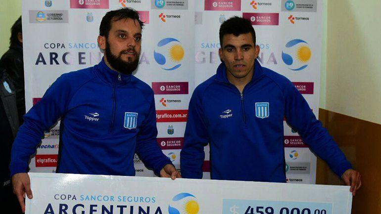 Acuña metió su 10º gol en Racing y le dio el pase a los 16avos. de final.