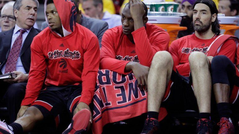 Scola fue titular en los Raptors, que perdieron por paliza con Cleveland