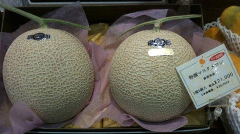 En Japón vendieron dos melones a 27 mil dólares