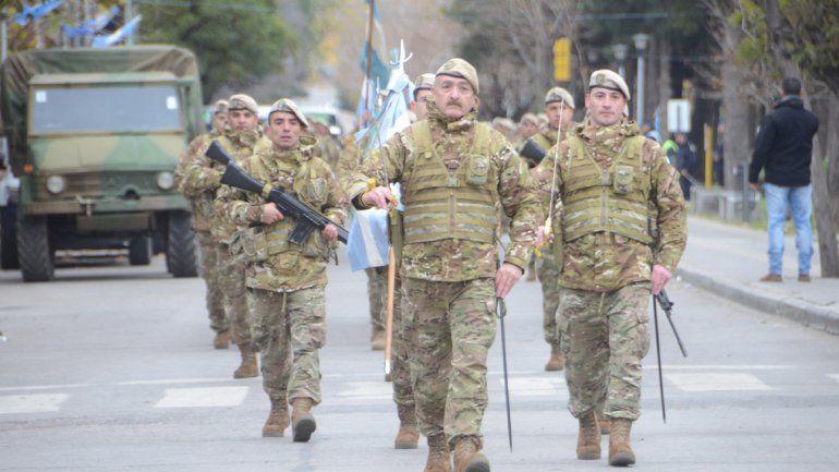 Las Fuerzas Armadas desfilan.