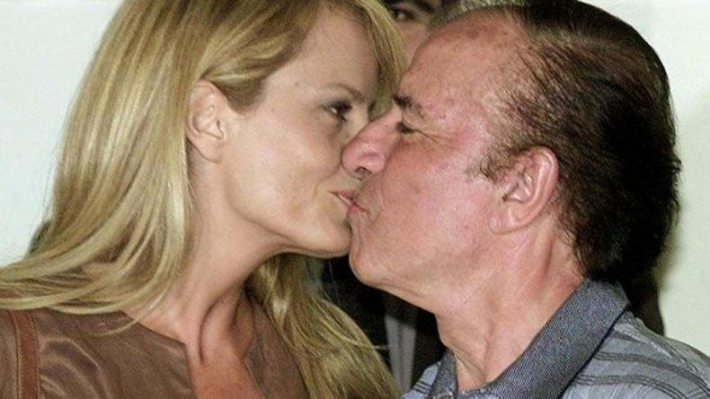 En mayo de 2001 Cecilia Bolocco se casó con Carlos Menem