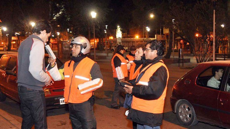 El Municipio compró tres nuevos etilómetros para realizar las mediciones. Se triplicarán los controles para ver si baja el peligro en las calles.