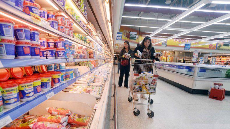 En los súper la gente se cuida más y en las carnicerías buscan cortes baratos