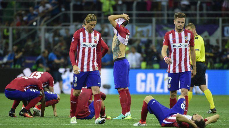 La decepción del Atlético Madrid tras acariciar una vez más la gloria y quedarse con las manos vacías.