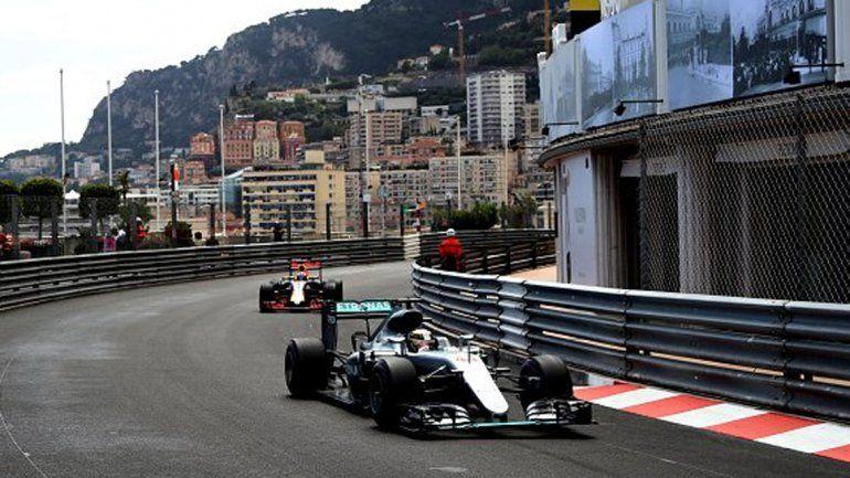 Hamilton ganó un caótico gran premio de Mónaco