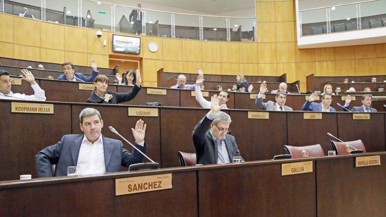 El anuncio del tarifazo de gas generó un fuerte debate en la Legislatura neuquina.