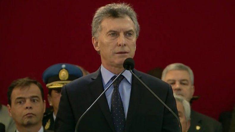 Macri se comprometió aumentar los salarios de las fuerzas armadas