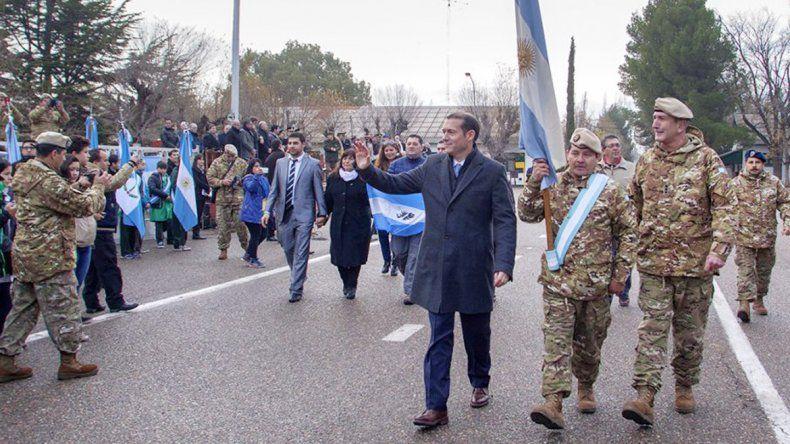 Omar Gutiérrez durante los festejos por el Día del Ejército.