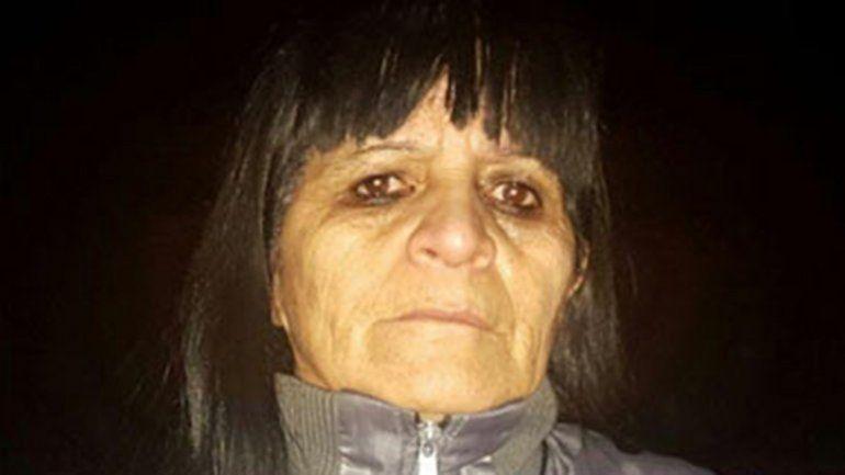 Luna quedó detenido en un calabozo. Ayer su supuesta novia (arriba