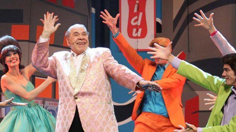 El polémico comediante llegará con su show Salsa Criolla.