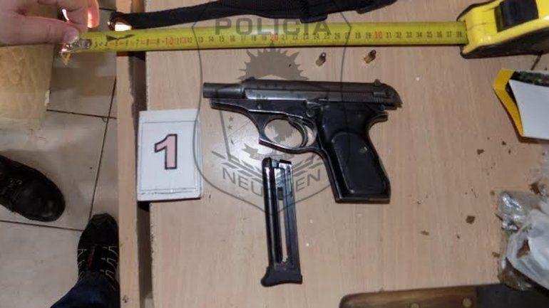 Seis detenidos con armas y droga en Senillosa