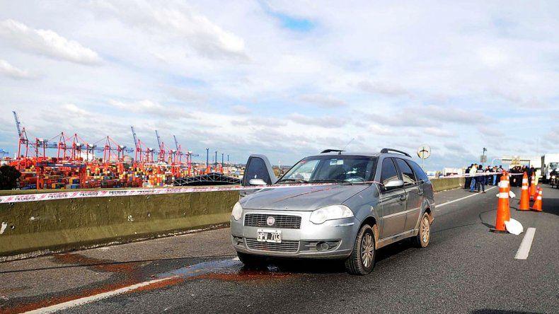 El atraco en plena autopista se llevó a cabo gracias a un fuerte despliegue de los delincuentes.