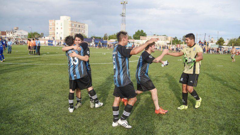 El León estuvo muy cerca de lograr el objetivo en la cancha y la reorganización del torneo le cumplió el sueño.